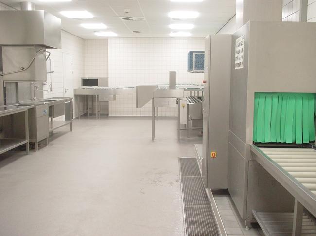 Gietvloer industriele keuken #woonbeton #berkersvloeren #gietvloeren #betonlook