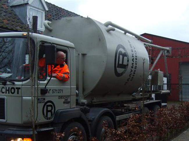 Silo plaatsing t.b.v. realisatie cementdekvloer