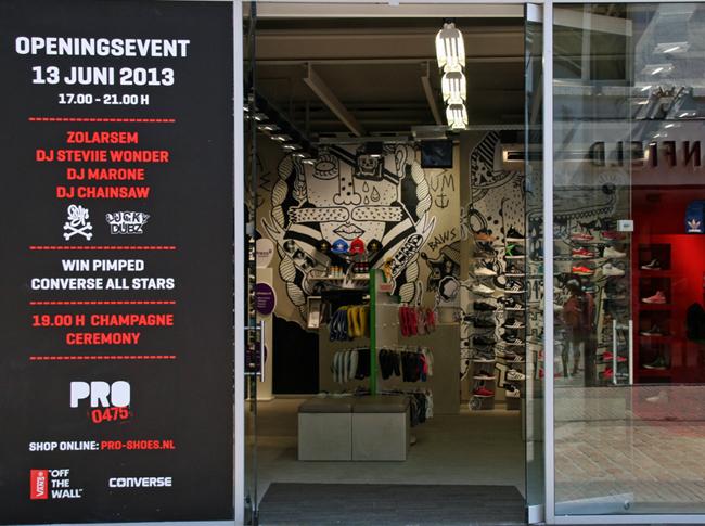 Realisatie Venetiaans woonbeton in de Pro Sport winkel te Roermond. #woonbeton #berkersvloeren #gietvloeren #betonlook